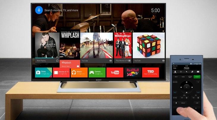 Các hãng tivi thường phát triển ứng dụng cho phép người dùng điều khiển tivi bằng điện thoại, đồng thời chiếu màn hình điện thoại lên tivi.